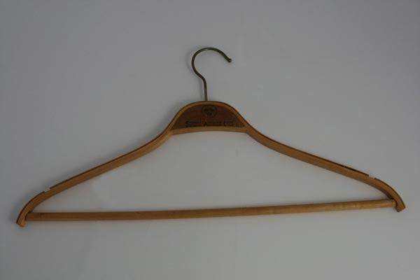 Hanger (2)