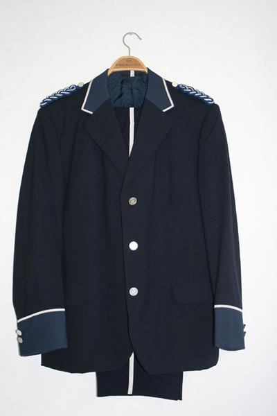 Uniform (1)