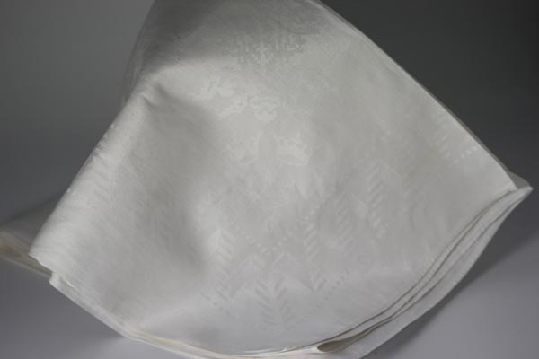 Tablecloth (1)