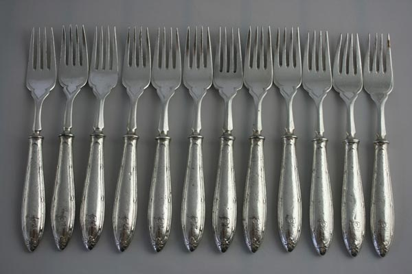Cutlery fish forks